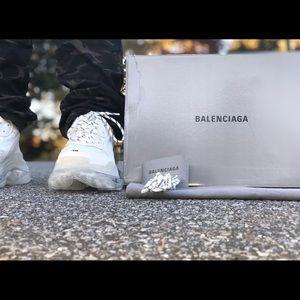 Balenciaga triple s clear sole